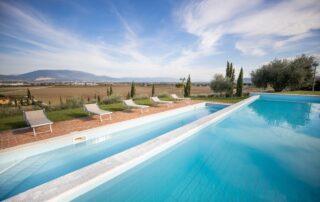 Agriturismo con piscina vicino Perugia