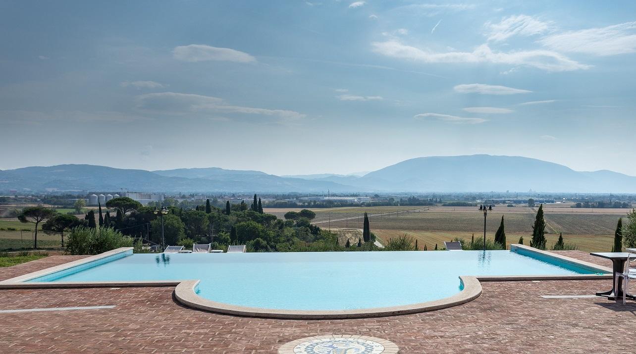 Agriturismo con appartamenti e piscina in Umbria